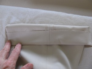 photo of pant with the hem extended for the tapered pant, sewing blog 059