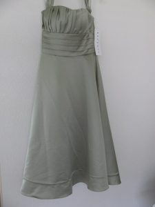 fold in the hem of a formal gown, rolled hems, 445