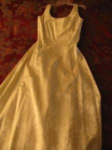 satin wedding dress with wide straps to shorten