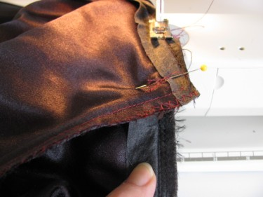 once they line up, put a pin through all layers, altering a dress with piping, 1144