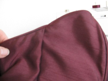 tiny seam in the piping, altering a dress with piping, 1147