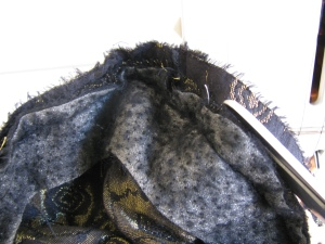 photo showing the stays on the shoulder seam of the English jacket