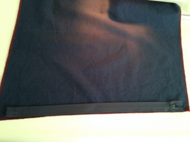 laying a zipper on one side of pillow square, zipper in a pillow, 6311