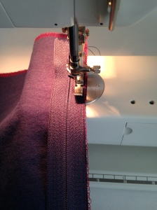sewing zipper on pillow cover. easiest way ever, 6312