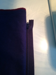 zipper sewn in one side of pillow, easiest way ever, 6315