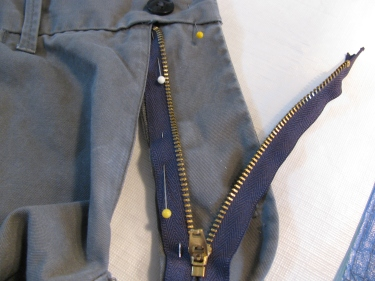 insert new zipper, 7135