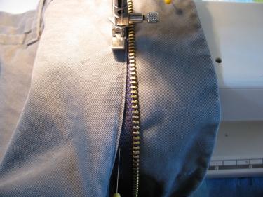 stitch in new zipper, 7136