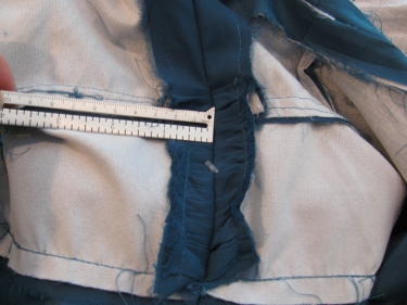 8137, measuring in from the zipper to start the new seamline, how to raise the waistline