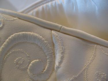 1195, image of piping at the side seam, altering a dress with piping,